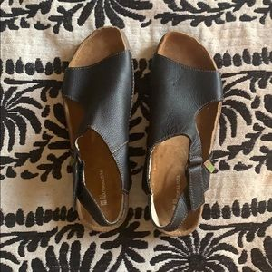 Naturalista leather shoes NWOT